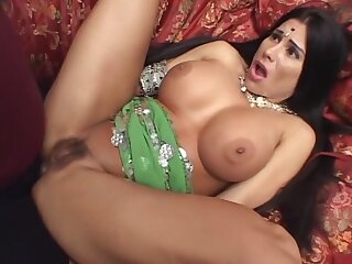 Fucking Indian Hooker Puristic Pussy